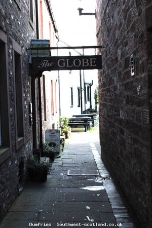 Entrance to Globe Inn