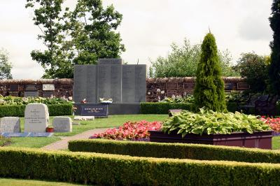 air disaster memorial garden