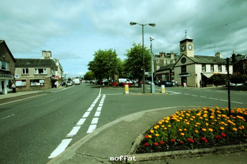 road to Moffat town centre